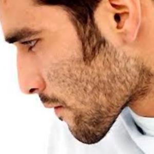 Consiglio per lui, per un viso giovane fatevi spesso la barba